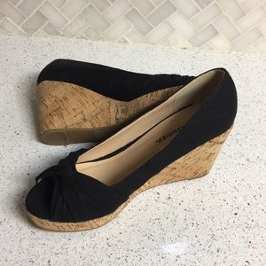 City Classified Wedge Open Toe Shoes 7